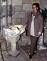 Castro Urdiales-16-Riesenauster als Weihwasserbecken-1996-gje.jpg