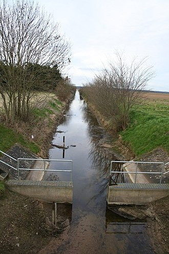 Catchwater drain - Catchwater drain facing north at Tumby Woodside