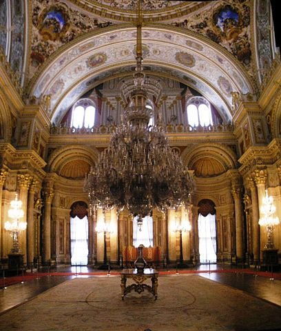 File:Ceremonial hall Dolmabahce March 2008 pano2b.jpg ...
