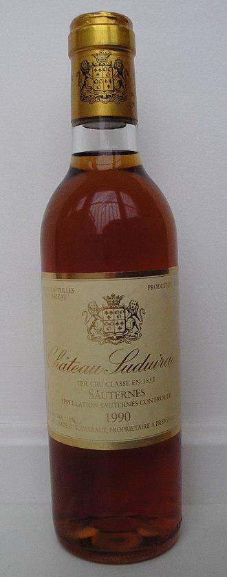 Château Suduiraut - A half bottle of 1990 Château Suduiraut.
