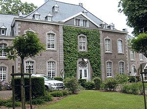 Rainer Maria Latzke - Chateau Thal, front view