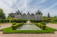 Cheverny Castle North.jpg