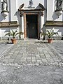 Chiesa della Natività della Beata Vergine Maria, sagrato e portale (Schiavonia, Este) 02.jpg