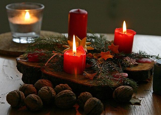 filechristmas candlesjpg wikimedia commons