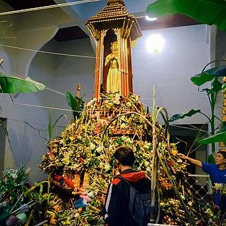Inthakhin (pillar) - Image: City pillar festival 02