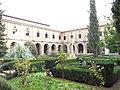 Claustro del Monasterio de Cañas.jpg