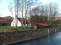 Cottage and Drystane Wall - geograph.org.uk - 122550.jpg
