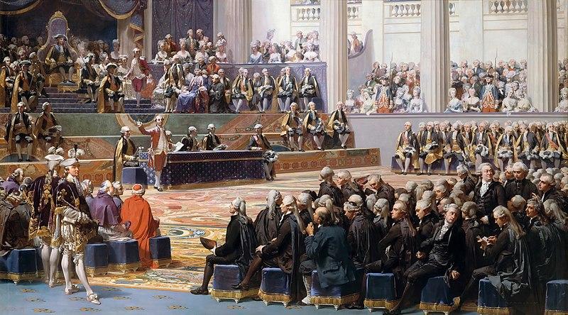 Sesión de apertura de los Estados generales de 1789, el 5 de mayo, en Versalles, según pintura de Auguste Couder. Preside Luis XVI y habla Necker. Se identifican muchos de los participantes