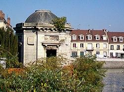 Temple de l'amour (Creil)