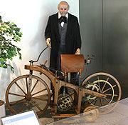 Daimlerin ahşaptan yaptığı motosikleti