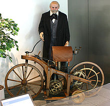 Historia De La Moto.-https://upload.wikimedia.org/wikipedia/commons/thumb/5/5a/Daimler-1-motorcycle-1.jpg/220px-Daimler-1-motorcycle-1.jpg