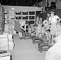 De schoenenafdeling van het kledingcentrum voor de repatrianten in Ataka, Bestanddeelnr 255-6852.jpg