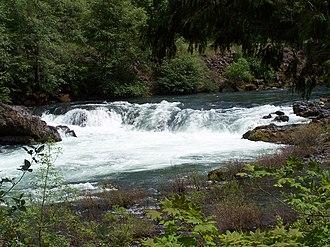 North Umpqua River - Deadline Falls on the North Umpqua River