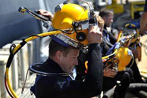 Diving helmet - Surface supplied lightweight open circuit demand helmet