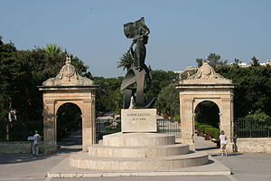 Floriana - Independence Monument and entrance to the Mall Gardens