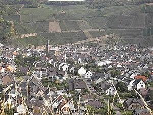 Ahr (wine region) - The village Dernau and Ahr vineyards.