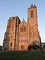 Dol-de-Bretagne (35) Cathédrale Façade ouest 01.jpg