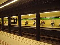 Drassanes Tube Station, Barcelona, 19th April 2009.JPG