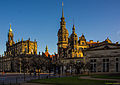 Dresden, Stadtschloss und Hofkirche im Licht des späten Winternachmittages (14285293353).jpg