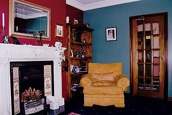 English: Dunfanaghy - Sitting room in Carrigan...