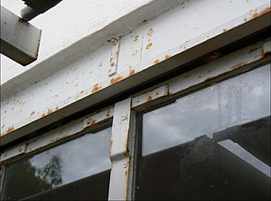 E-1027 - E-1027 after restoration (2013) corrosion of the frames and of the metal work