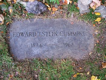 English: Grave of poet E. E. Cummings, located...