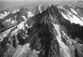 ETH-BIB-Aiguille Verte, Aiguille d'Argentière v. S. W. aus 4200 m-Inlandflüge-LBS MH01-005178.tif