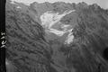 ETH-BIB-Albignagletscher mit Pizzo Cengalo und Pizzo Badile, Anflug von Norden über Bergell-Inlandflüge-LBS MH01-007672.tif