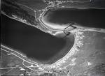 ETH-BIB-Lac de Joux, Lac Brenet, Les Charbonnières, Le Pont v. S. O. aus 1800 m-Inlandflüge-LBS MH01-006064.tif