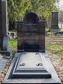 Eduard Bacher grave, Vienna, 2017.jpg