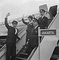 Eerste KLM-machine weer naar Djakarta vanaf Schiphol vertrokken, Bestanddeelnr 915-1226.jpg