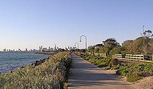 Elwood, Victoria - Image: Elwood beach and Melbourne skyline