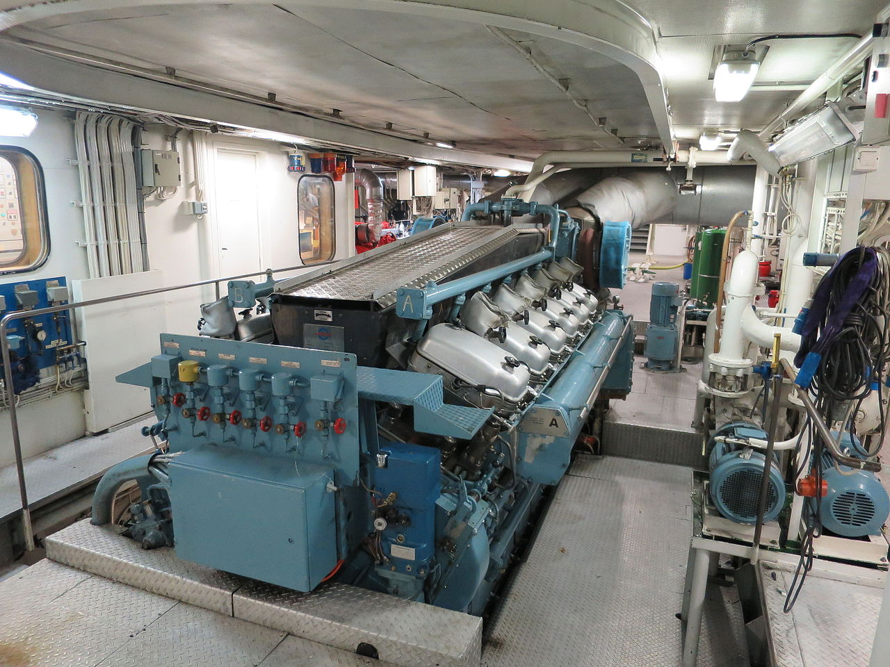 File Engine Room Ferry Bast 248 Iv 03 Jpg Wikimedia Commons