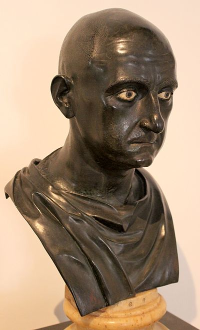 Roman bronze bust of Scipio Africanus the Elder from the Naples National Archaeological Museum (Inv. No. 5634), dated mid 1st century BC Excavated from the Villa of the Papyri at Herculaneum by Karl Jakob Weber, 1750-65 Escipion africano.JPG