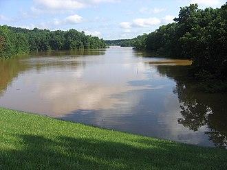 Lake Needwood - Image: FEMA 25162 Photograph by Aaron Skolnik taken on 06 28 2006 in Maryland