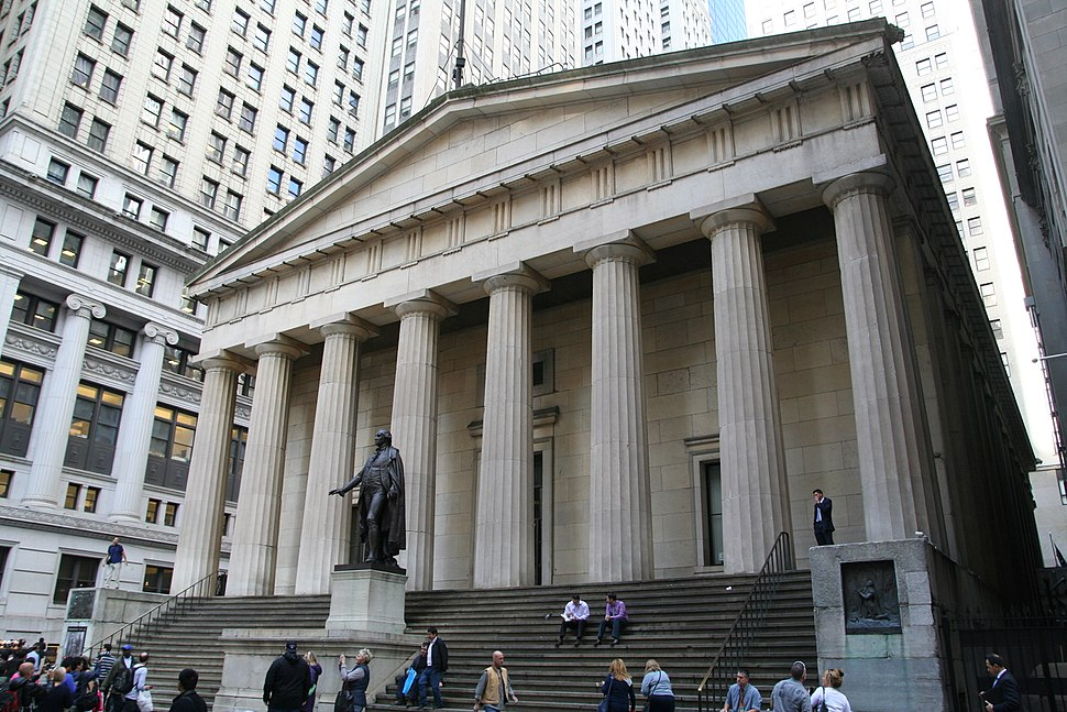Federal Hall and George Washington statue in New York City