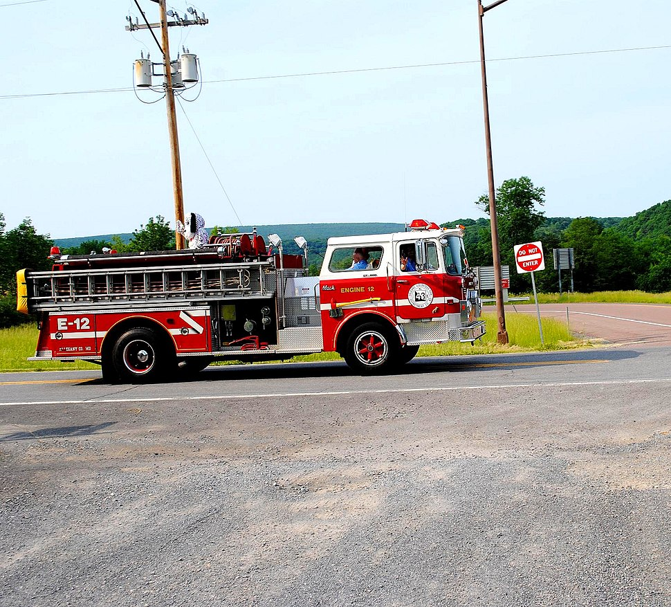 Flintstone, MD Fire & EMS Parade 3 June 2011 (5879127238) (2)