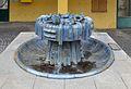 Fountain by Heidelinde Warlamis, Hetzendorferstraße, Vienna 01.jpg
