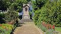 Fröbel-Denkmal Bad Blankenburg 04.jpg