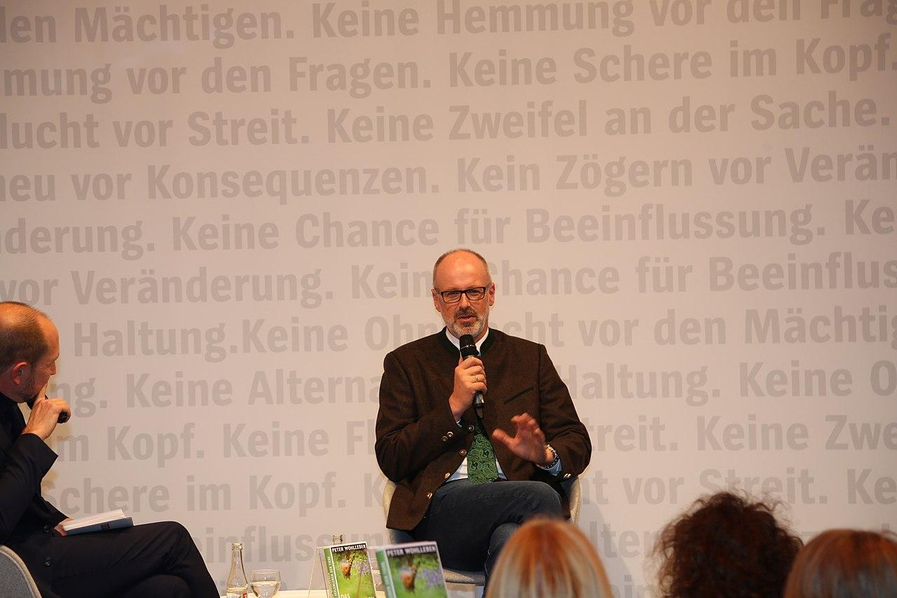 Frankfurter Buchmesse 2016 - Peter Wohlleben 3.JPG
