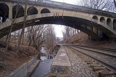 Freeman Parkway Bridge
