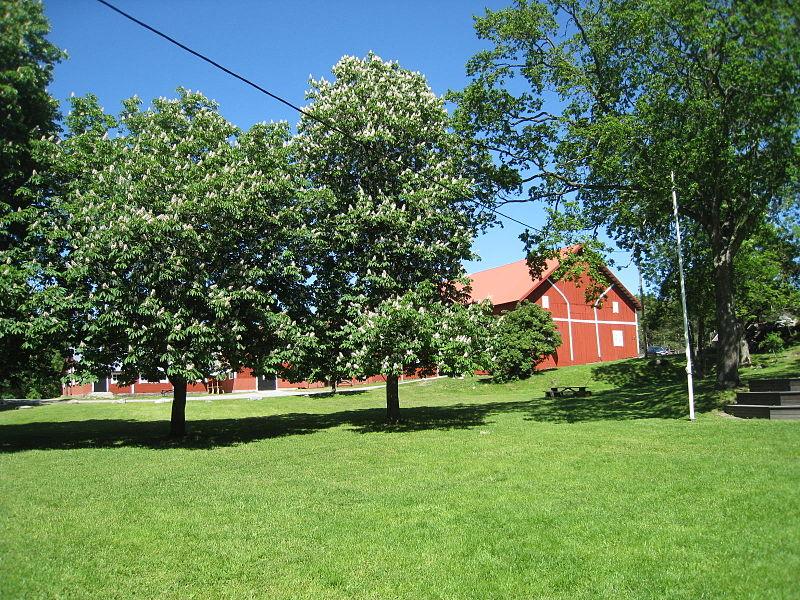 Görvälns gård, parken, 2015d1.jpg