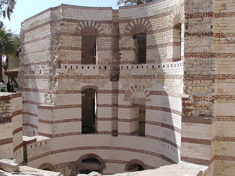 """قصر البارون إمبان """" 800px-GD-EG-Caire-Copte074"""