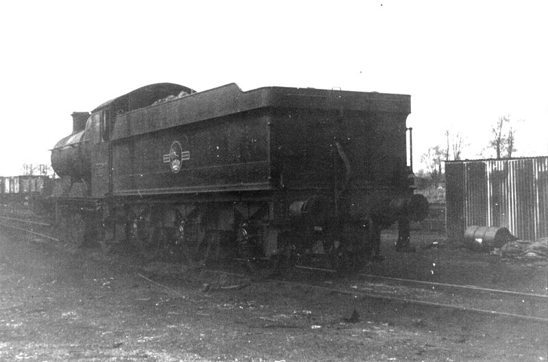 File:GWR 2251 Class 0-6-0 Templecombe S&D mpd 1965 (10280255186).jpg