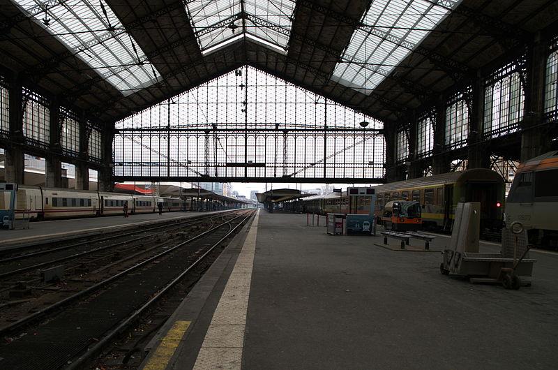 File:Gare d'Austerlitz - structure métallique.jpg