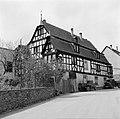 Gezicht op het in de 17e eeuw als raadhuis gebouwde huis met de drie gevels, Bestanddeelnr 254-4464.jpg
