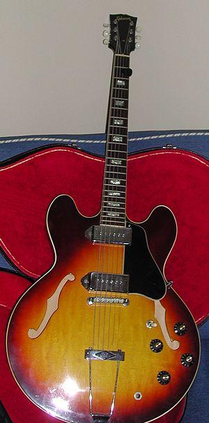 Gibson ES-330 - Image: Gibson ES 330TD