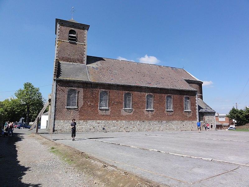 Gognies-Chaussée (Nord, Fr) église, vue latérale