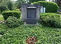 Grabstätte Hülsmann und Aders, Düsseldorf Nordfriedhof, 2015 (1).jpg