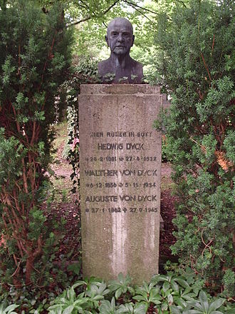 Walther von Dyck - Bust of Walther von Dyck at his grave in Munich.